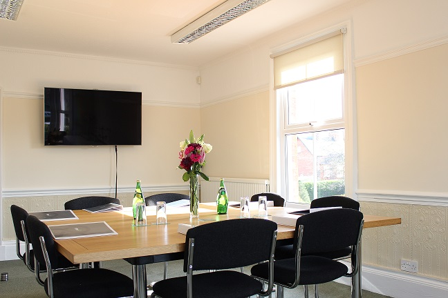 Butterton Meeting Room - Boardroom layout - Heath House Conference Centre, Uttoxeter, Staffordshire